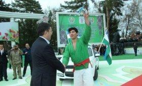 В Самарканде прошли соревнования по курашу