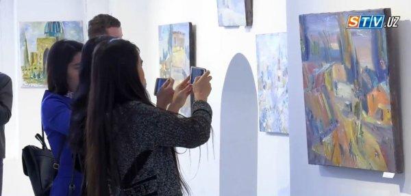В Самарканде открылась выставка картин, посвященная празднику Навруз