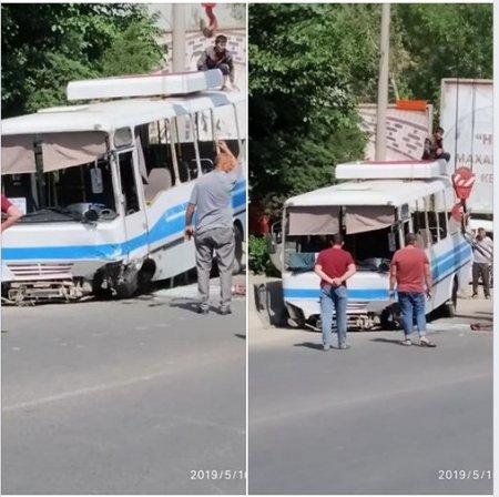 В Самарканде перевернулся пассажирский автобус