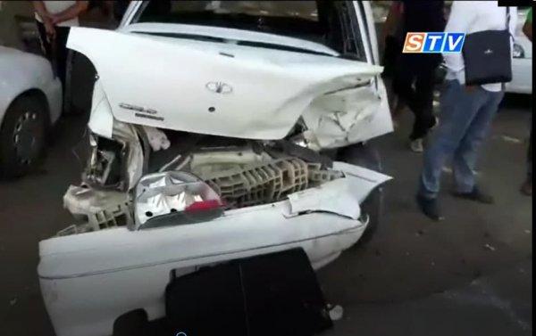 В Самарканде произошло ДТП с участием 4 автомобилей. Двое человек госпитализированы