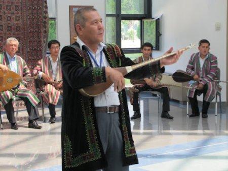 В Нукусе демонстрируется культура Самаркандской области